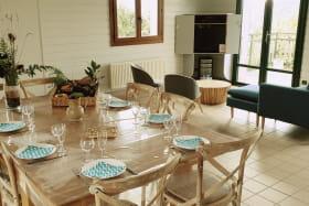 Gîte (12 personnes) à Cenves en Haut Beaujolais - Rhône : la pièce à vivre.