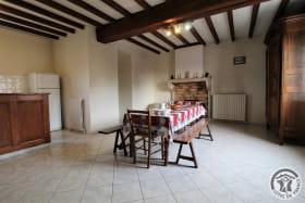 Le Gîte des Bruyères à Arnas (Rhône-Beaujolais) : pièce de jour (étage).