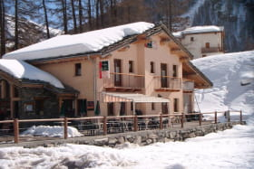 La Bocona l'hiver restaurant à Bessans