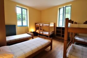 Grand Gîte (43 lits) des 2 Grosnes à Ouroux - Haut Beaujolais dans le Rhône : dortoir