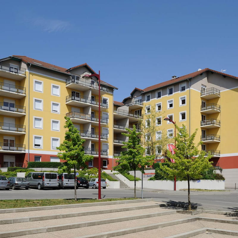 Séjours & Affaires résidence Saint-Genis