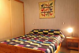 Location chalet à Thollon les Mémises - vue Lac Léman - Haute Savoie - Chambre lit double