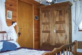 La chambre 1 et son amoire