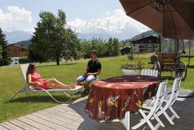 Terrasse face au Mont-Blanc