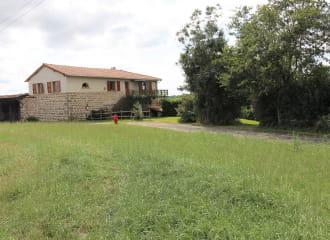 Gîte de la Grange du Mas Est à St Clément les Places dans le Lyonnais - Rhône.