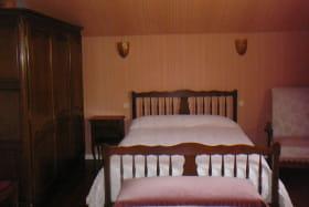 lestroischenes-chambre