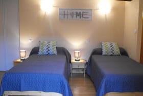 chambre 3 avec 3 lits de 90cm