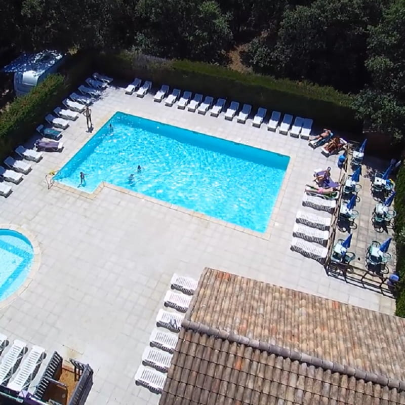 Camping les Truffières - vue piscine