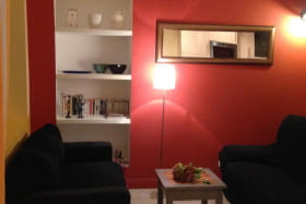 Gite 'La Vautière' à Saint-Symphorien-D'Ozon (Rhône, Sud de Lyon) : l'espace salon dans la pièce de jour.