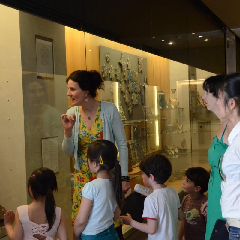 Visite en famille - Promenons-nous au musée