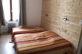 Chambre 1 lit double et 1 simple