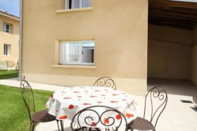 2 terrasses : extérieure et intérieure couverte