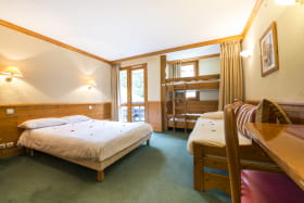 Chambre spacieuse et confortable