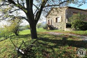 Ecogîte 'Chez Odile et Georges' à Condrieu (Rhône - Pilat): jardin