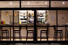 restaurant instant présent nuit