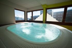 Espace bien-être balneo jacuzzi hotel savoie