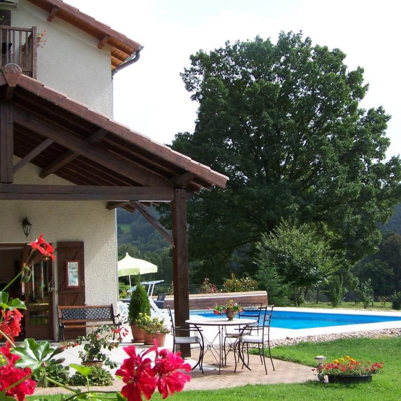 Gîte LA CLEF DES CHAMPS à Saint Jean La Bussière, 1 Km lac des sapins (Rhône, monts du Beaujolais).