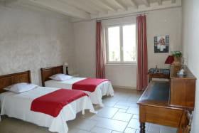 La 2ème chambre (les lits peuvent être mis en 2 lits 90 ou 1 lit 180)
