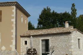 Terrasse petit gîte en pierre