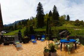 La terrasse principale, salon de jardin, transats