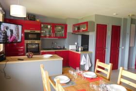Cuisine ouverte sur la salon et le séjour
