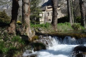 Gîte Donjon de Lastic - Facade Sud et rivière la Vèbre