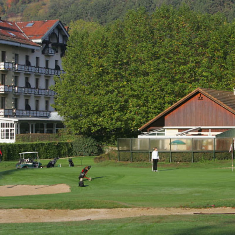Golf 9 trous à Uriage, le practice - Vaulnaveys la Haut