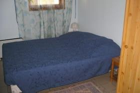 Gîte des Vendanges à Légny, en Beaujolais dans le Rhône : une chambre.