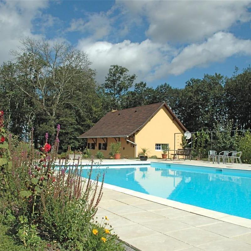 Gîte et piscine