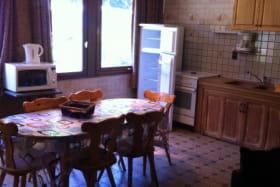 Vair  Raymond location meublée à Val Cenis - -coin repas