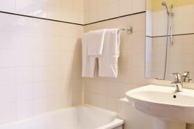 Hôtel Elysée - La salle de bain