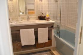 Salle de bain chambre LAVANDES