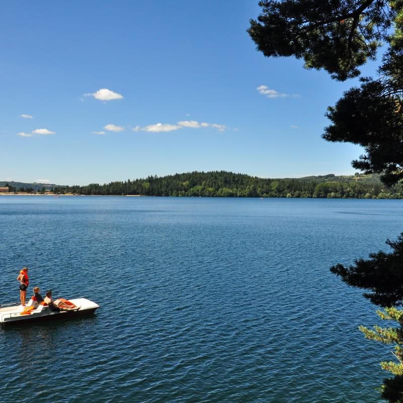Pédalo au lac d'Issarlès