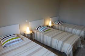 Gîte de l'enclos à POMEYS (Rhône-Monts du Lyonnais) : la chambre (3 personnes).