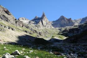 L'Aiguille Dibona et le Vallon du Soreiller