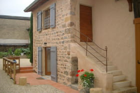 Gîte des Bonnerues à LANCIE (Rhône - Beaujolais) : la terrasse