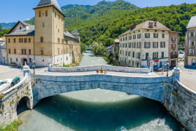 Le vieux pont / L'Isère