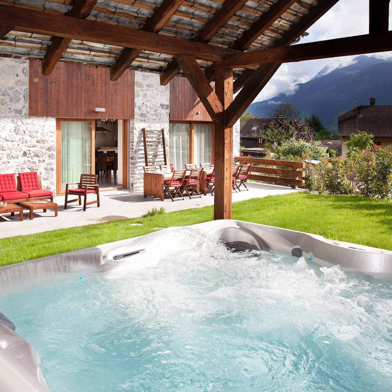 chambre d'hôtes terrasse et bain à remous