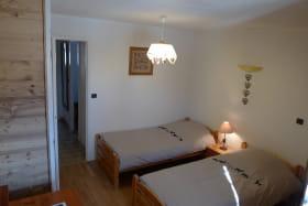 residence_albaron_boniface_monique_bessans_chambre03