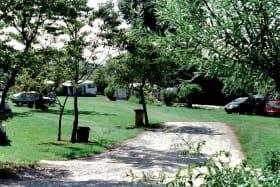 Allée du camping de Montchardon
