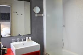 Salle de bain - Best western plus hôtel littéraire Alexandre Vialatte