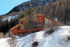 refuge-gite-suffet-exterieur-hiver