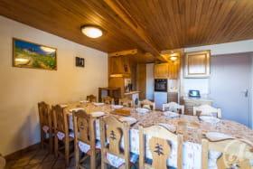 Appartement Le Lys Martagon -  Albiez Le Jeune - Proche station de Ski Albiez Montrond - espace repas