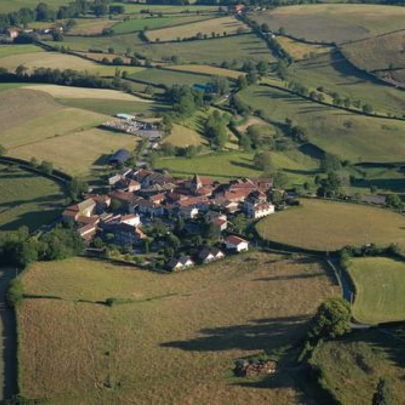 Village de St Jacques des Arrêts