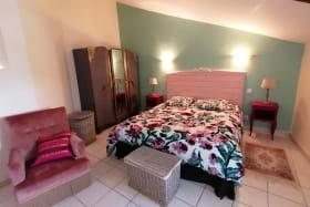 Chambre à l'étage (lit 160).
