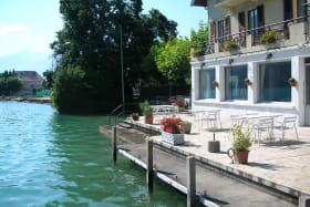hotel borde de lac