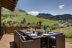 Terrasse avec vue montagne