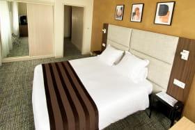 hotel3etoilesaixlesbainsrivieradesalpeshoteldeseauxchambredoubleconfort
