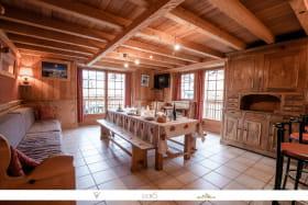 Bel appartement cosy, style montagne, situé au calme à Val Cenis Sollières.