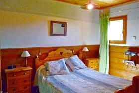 Chalet vieux bois -chambre 1